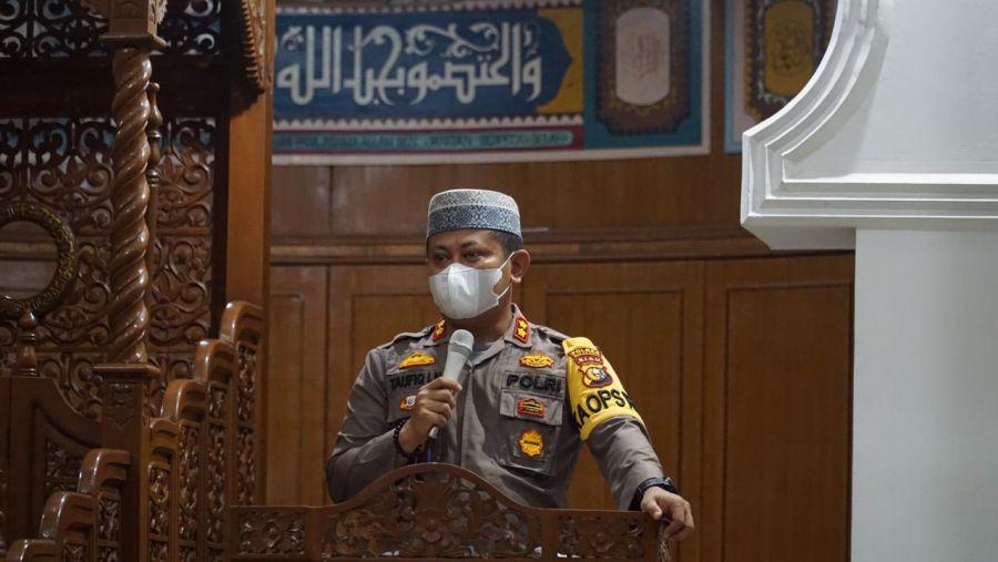 Dalam Giat Suling, Kapolres Tekankan Tetap Ikuti Prokes Saat Sholat Berjama'ah