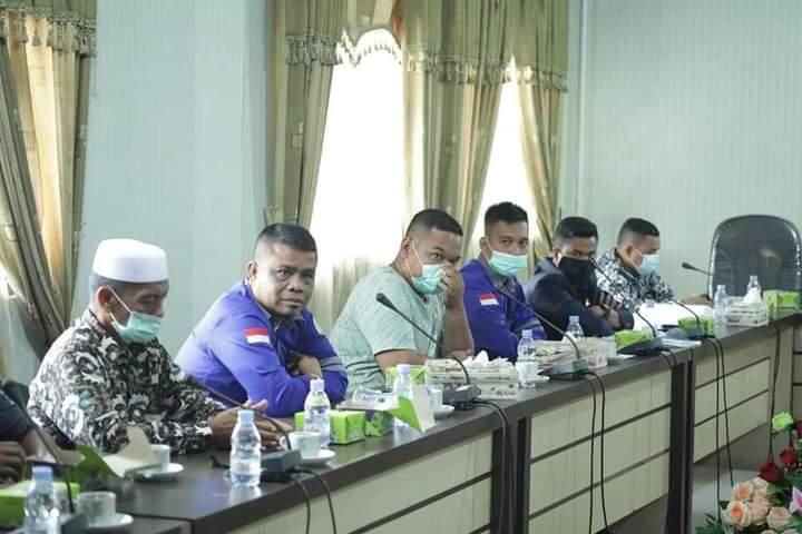 Masyarakat Tiga Desa Minta Komisi II DPRD Rohul Untuk Melaksanakan Hearing