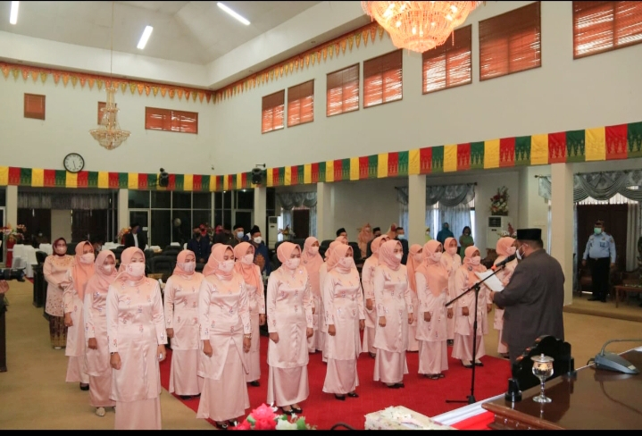Pengurus IKKD Masa Jabatan 2019-2024 Resmi Dilantik Ketua DPRD Rohul