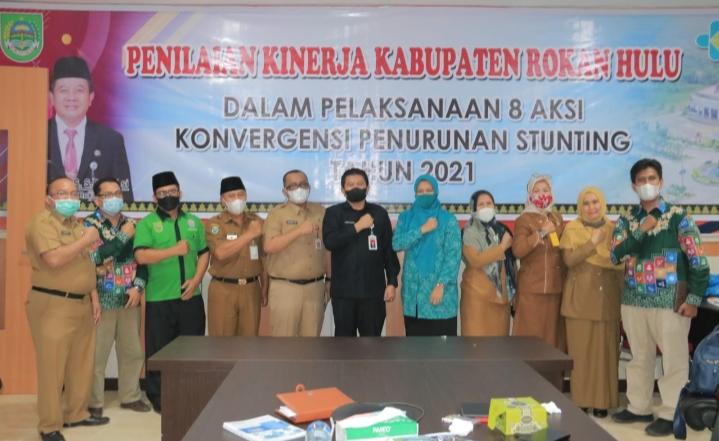 Plh Bupati Ikuti Rapat Virtual Dengan Agenda Penilaian Kinerja Kab/Kota Se-provinsi Riau