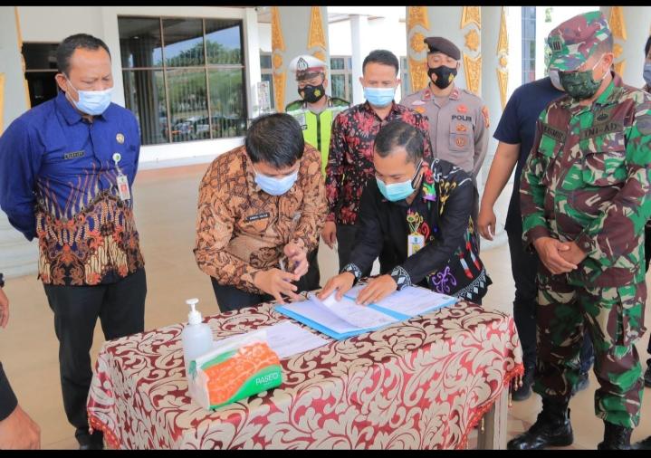 Vaksin Sinovac Dari Pemprov Riau Telah Diterima Langsung Oleh Sekda Rohul