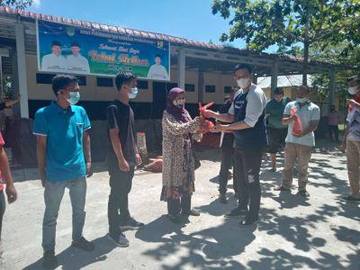 Keluarga Besar DPKP Rohul Potong 4 Ekor Sapi Qurban